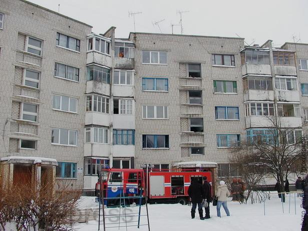 """В Барановичах из-за """"зарядки"""" для телефона загорелась квартира"""