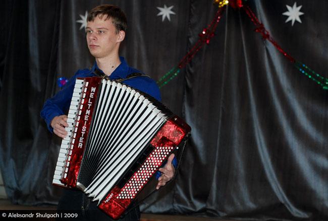 Сегодня в старом корпусе университета им. А.С. Пушкина состоялся  традиционный декабрьский концерт (фото)
