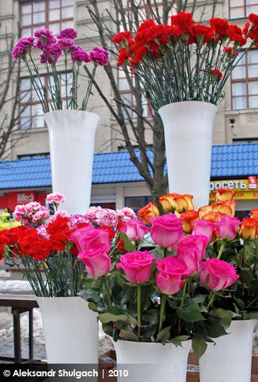 Брест готовится к 8 марта (фото)