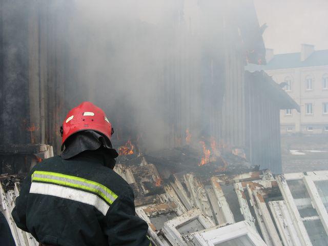 19 марта в Бресте сгорело 2 бани, одна из них - в мужском монастыре (фото)