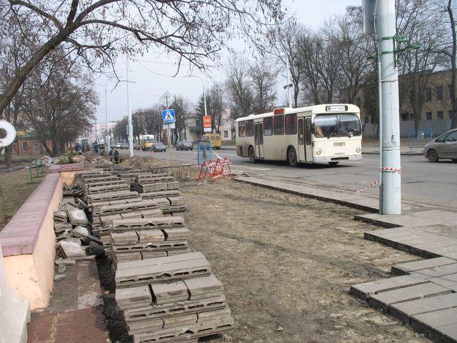 Сквер Иконникова - реконструкция продолжается (фото)