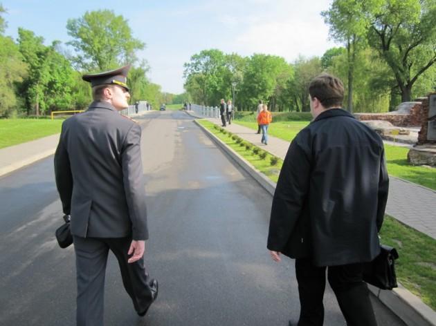 """Ветераны с флажками """"Говори правду!"""" в Парад не вписались"""