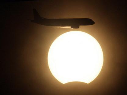 """Белорусы 4 января смогут увидеть солнечное затмение, а ночью - звёздный """"дождь"""""""