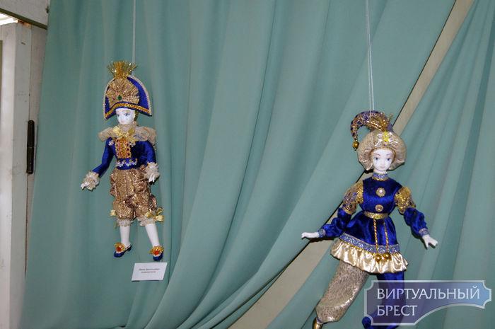 """Выставка """"Парад кукол"""" открылась в музее """"Спасённые художественные ценности"""""""