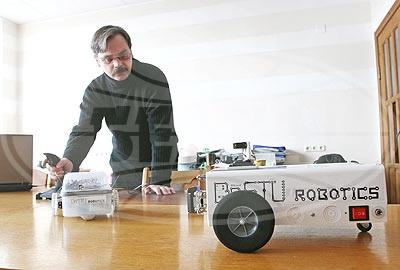 Ученые Брестского государственного технического университета разработали мобильного робота для охраны и мониторинга помещений
