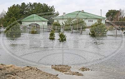 Деревни Непли и Митьки в воде