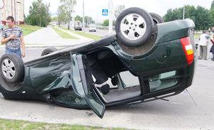 На Вульковском кольце авария - один из автомобилей перевернулся (фото + видео)