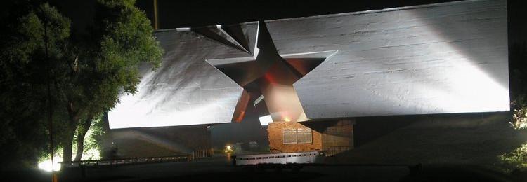 Ночная Брестская крепость