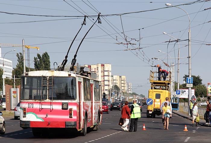В связи с обрывом троллейбусной линии сегодня были перерывы в работе городского транспорта
