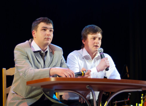 Брестские юмористы из камеди шоу «Отражённые в лужах» стали победителями российского конкурса «Научись экономить»