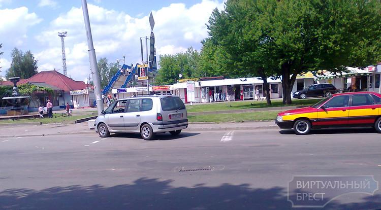 Рено обошёл Инфинити, или ...в зоне   внимания - парковка!