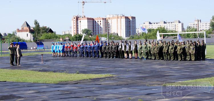 На стадионе «Локомотив» прошли городские соревнования санитарных дружин