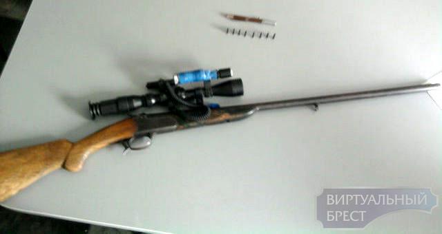 Стреляющая ручка и 13 единиц оружия изъято в Брестской области за май 2012 г.