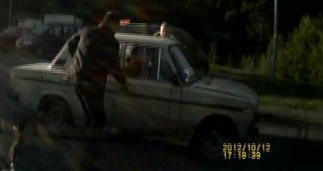 Пьяный за рулём на автомобиле Жигули решил заправиться...