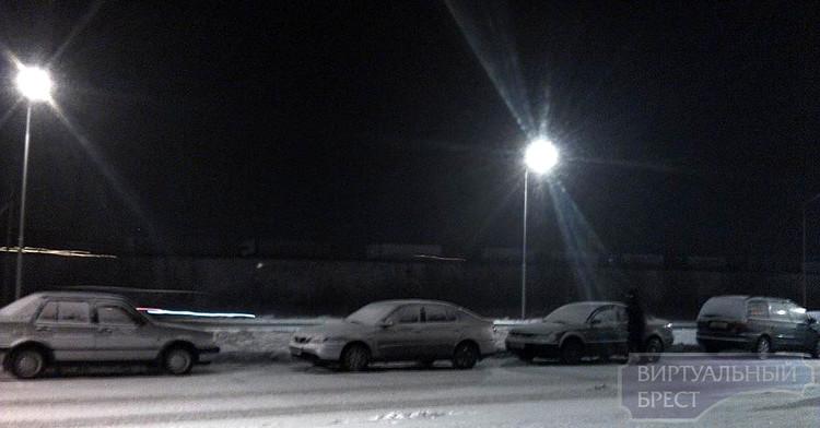 На белорусско-польской границе — многокилометровые очереди из грузовиков