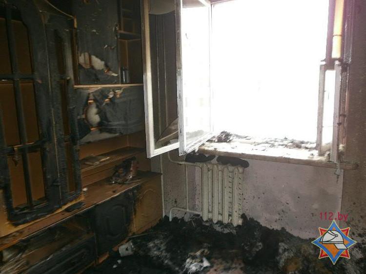 В Бресте на пожаре в пятиэтажном доме спасен мужчина