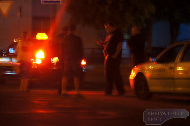 Нелегального таксиста из Кобрина привлекли к ответственности