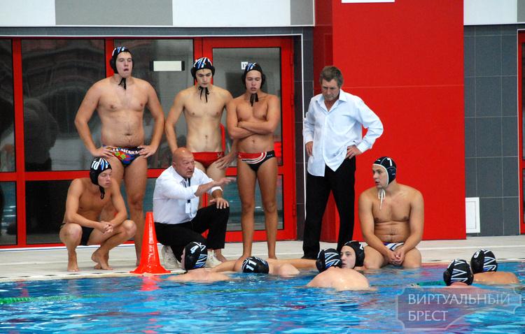 Сборная Беларуси по водному поло на международном турнире в Бресте стала второй