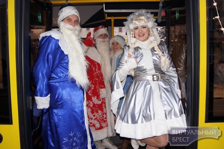 Когда пройдут торжественные открытия новогодних ёлок в Бресте?