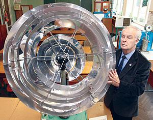 Вода и солнце: Брестский профессор Виталий Северянин запатентовал гелиостанцию