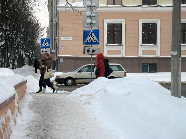 Брест в который раз завалило снегом отчет с улиц