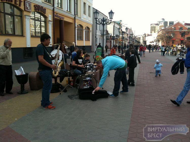 Для уличных музыкантов создадут специальную площадку